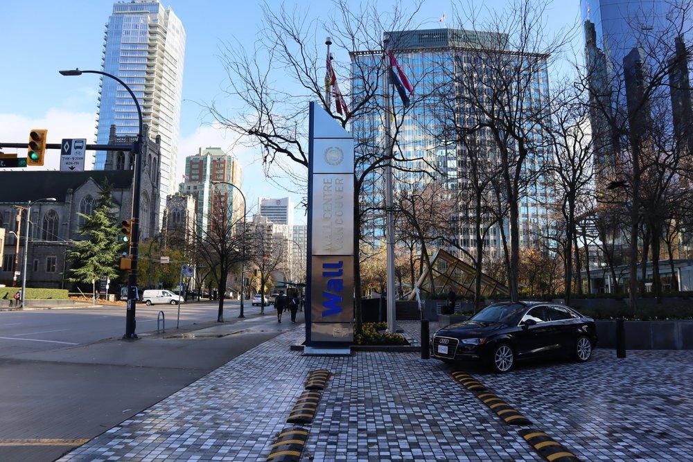 Sheraton Vancouver Wall Centre – Entryway