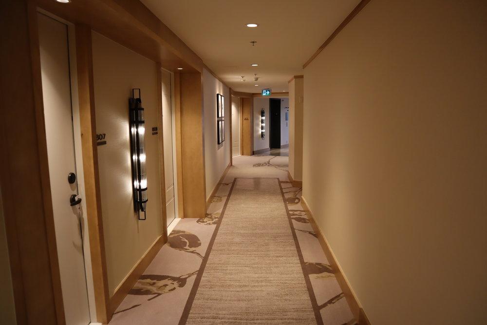 JW Marriott Parq Vancouver – Hallway