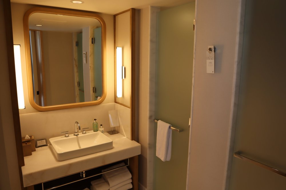 JW Marriott Parq Vancouver – Sink and mirror