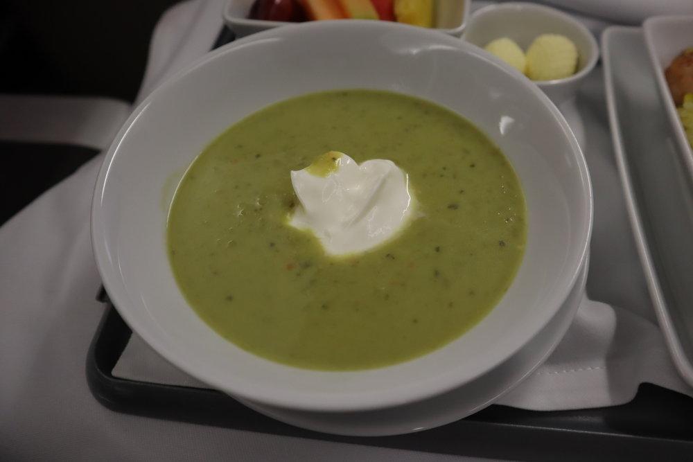 TAP Air Portugal business class – Sweet pea soup with crème fraîche