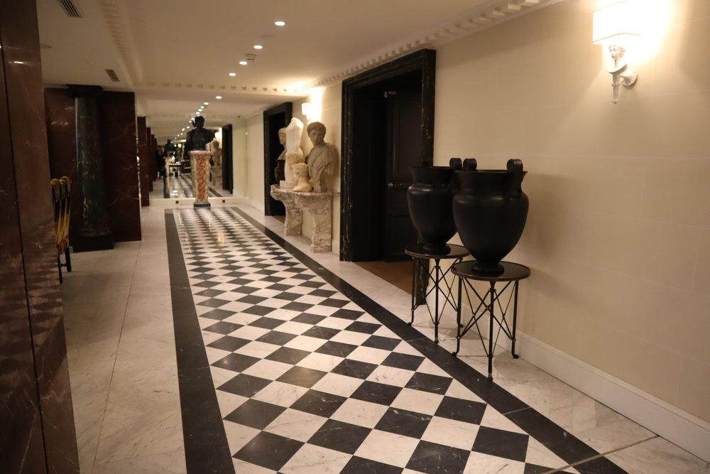 Hôtel de Berri Paris – Access to guest rooms