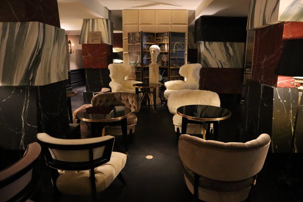 Hôtel de Berri Paris – Restaurant seating