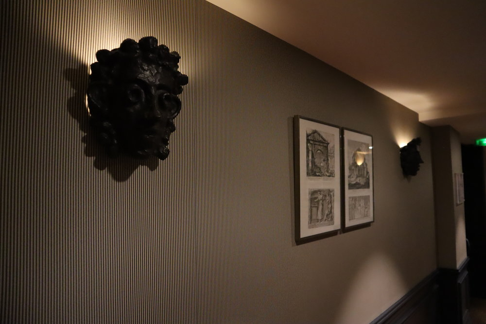 Hôtel de Berri Paris – Artwork in the hallway