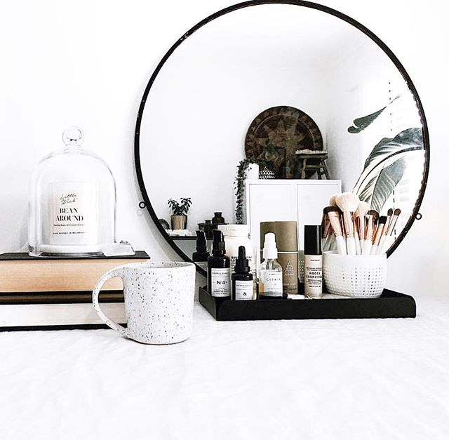 A beautiful little tidy space by @juthamat_by_jem featuring our Bean Around Candle (Vanilla Bean & Cream Caramel). This weekend we'll be at @fitzroymarket from 10am-3pm with a small selection of our glass and Japanese Ceramic Candles. Do pop around for a visit on Saturday if you're in the suburb or in Melbourne ✨❤️ Image and styling by @juthamat_by_jem