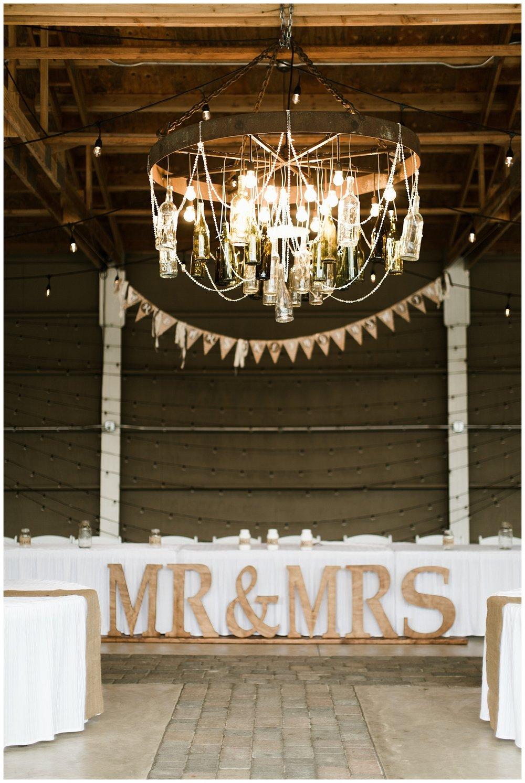 Rustic Chic Wedding | PNW wedding photographer