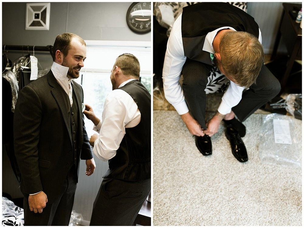 Rustic Chic Wedding | groomsmen photos | PNW wedding photographer