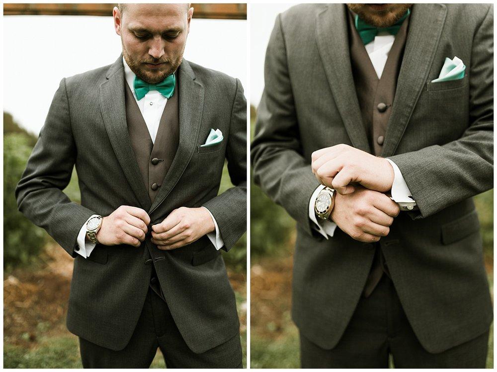 Rustic Chic Wedding | Groomsmen Portraits | PNW wedding photographer