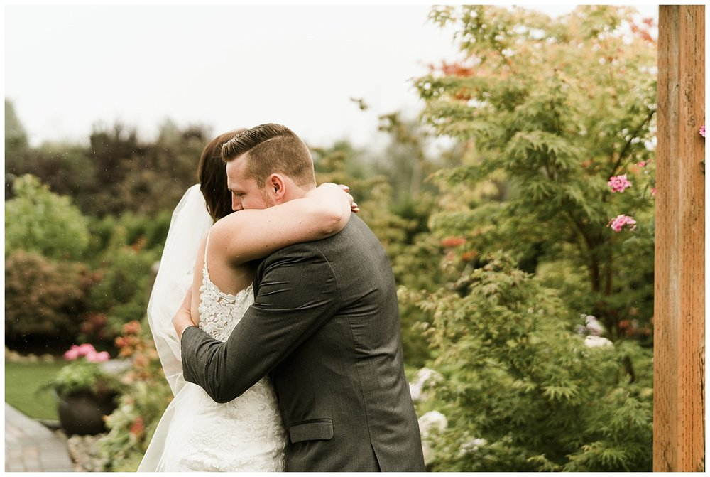 Rustic Chic Wedding | wedding day first look photos | PNW wedding photographer