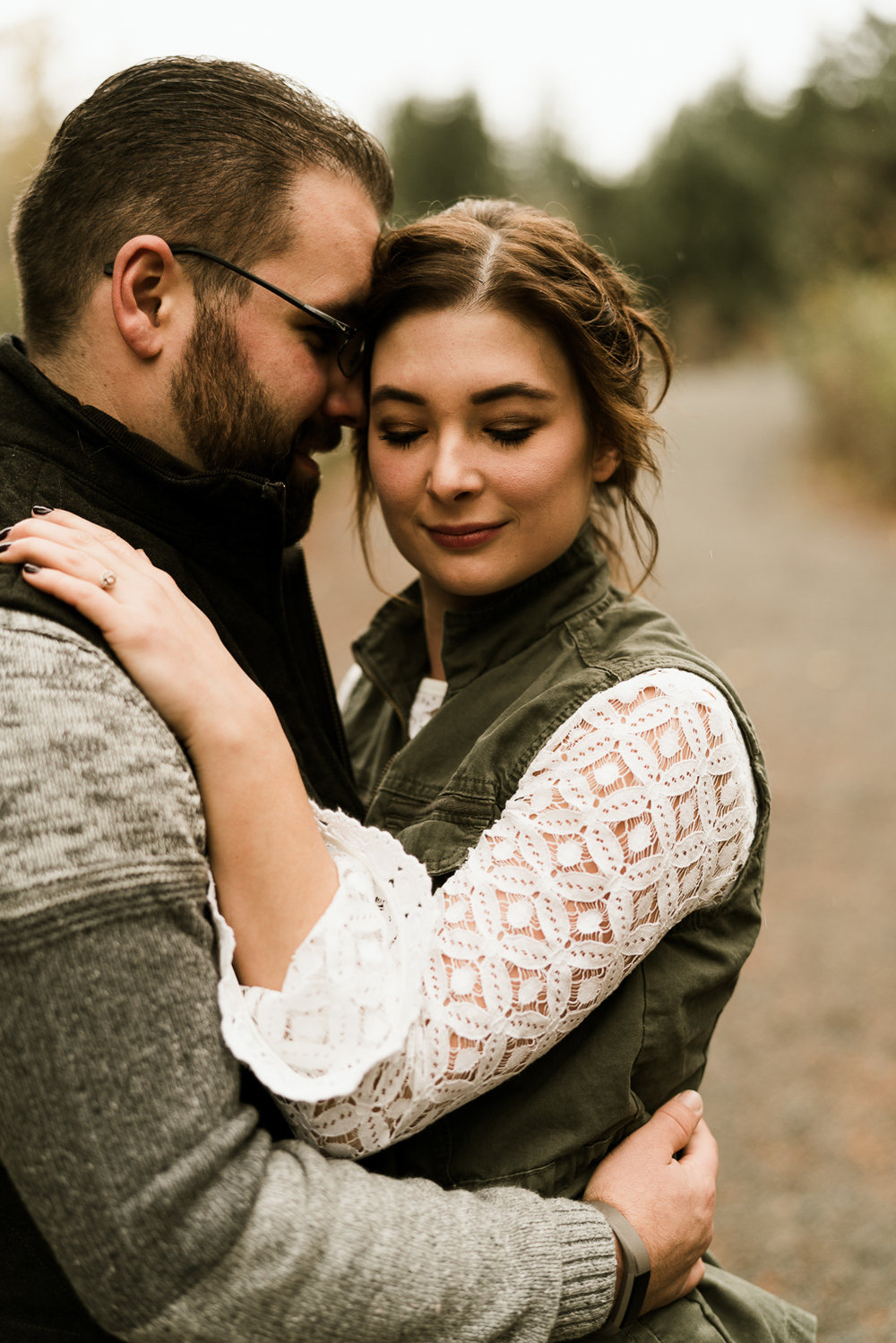 A Picturesque PNW Engagement Session | Snoqualmie Falls | Seattle Wedding photographer-2.jpg