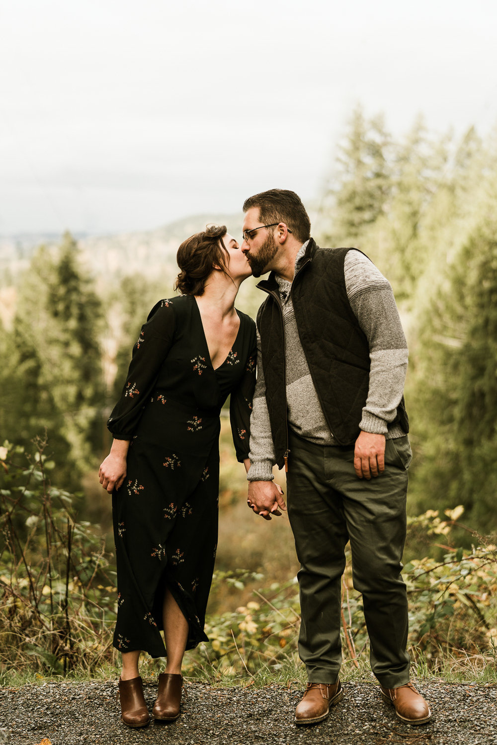 A Picturesque PNW Engagement Session | Snoqualmie Falls | Seattle Wedding photographer-23.jpg