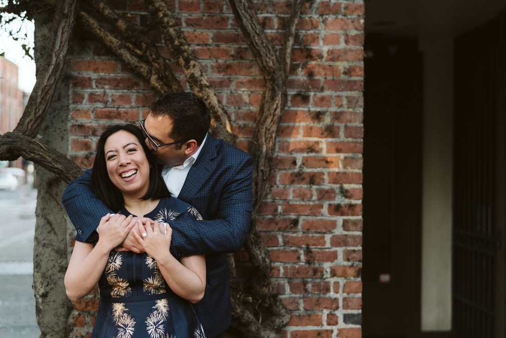 Classy metropolitan engagement session - Seattle pioneer square - Wedding Photography-6.jpg