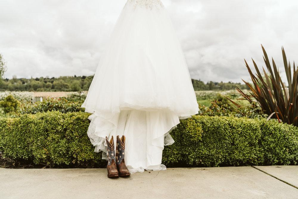 April Yentas Photography - jen and anthony wedding-4.jpg