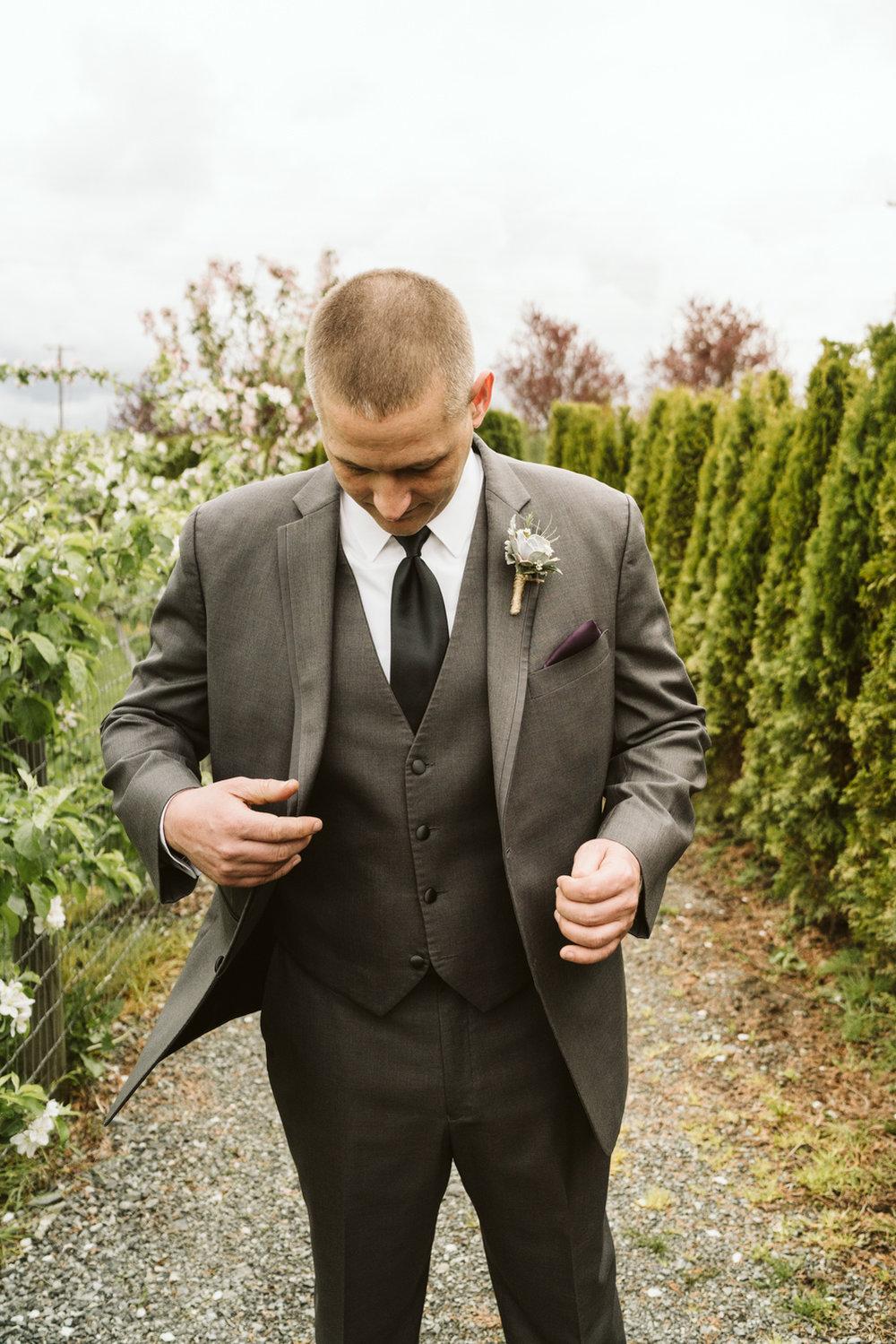 April Yentas Photography - jen and anthony wedding-12.jpg