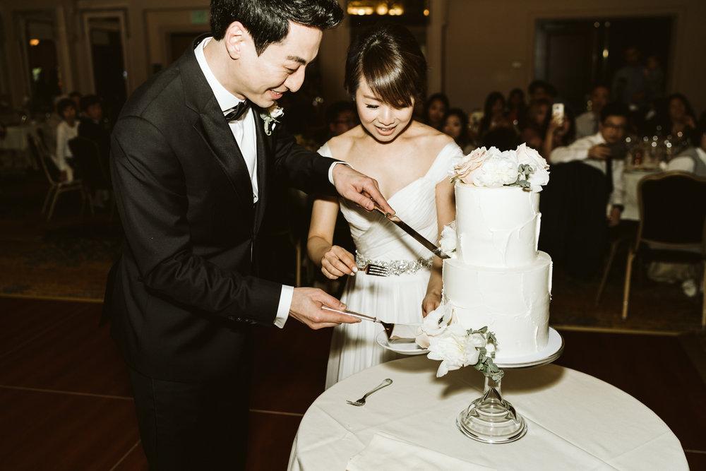 April Yentas Photography - Kristen & Jeff Wedding-36.jpg