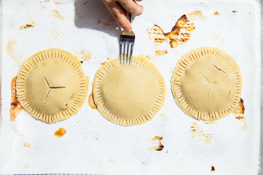 How to crimp hand pies
