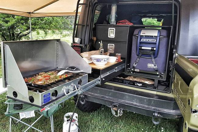 diy-galley-kitchen-overland-life-2.jpg.650x0_q70_crop-smart-1.jpg