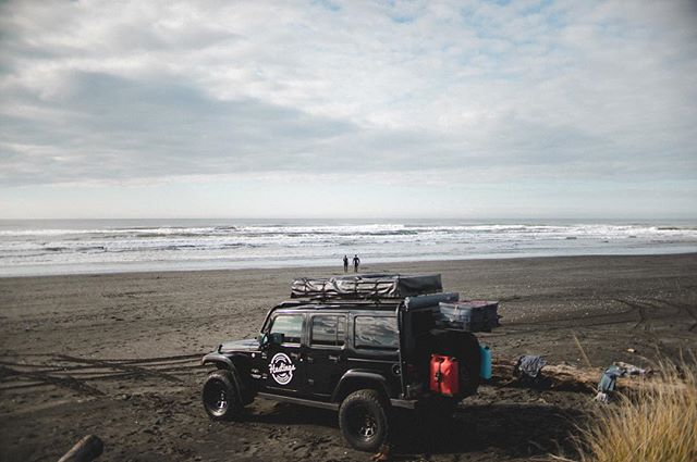 Good news, friends: we've added another Jeep to our fleet! 🙌This means summer availability has opened up, giving you the opportunity to book an overland adventure in an otherwise fully-booked summer ☀️Shoot us a message if you have questions or want more info✌️️| #hastingsoverland #gofurther Photo by @zmelhus