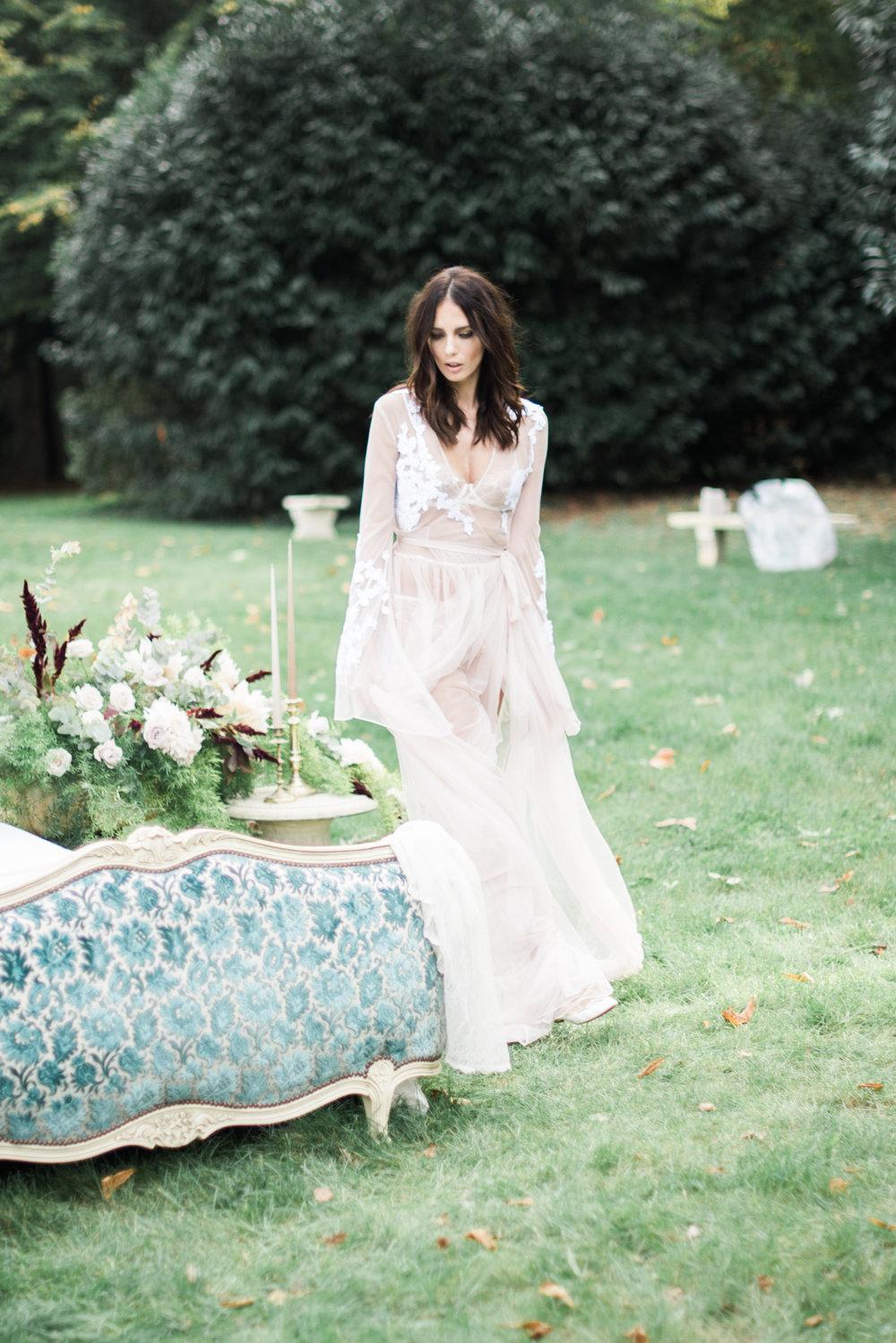 JacquelineAnnePhotography-Boudoir-Outdoors-6.jpg