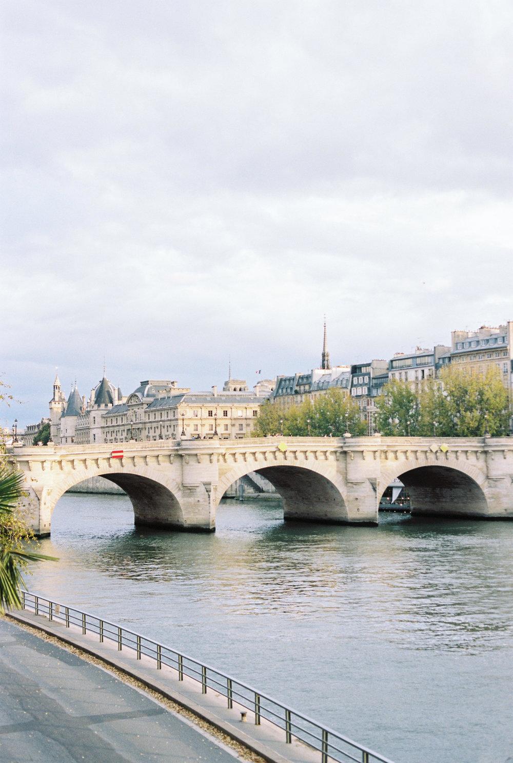 JacquelineAnnePhotography-ParisSessions-1.jpg