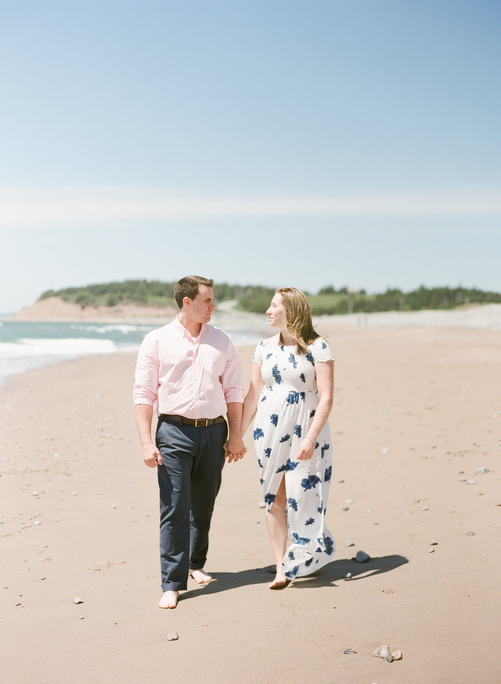 Jacqueline Anne Photography-Melissa and Daniel - Contax 645 - Beach Full Sun-24-13.jpg