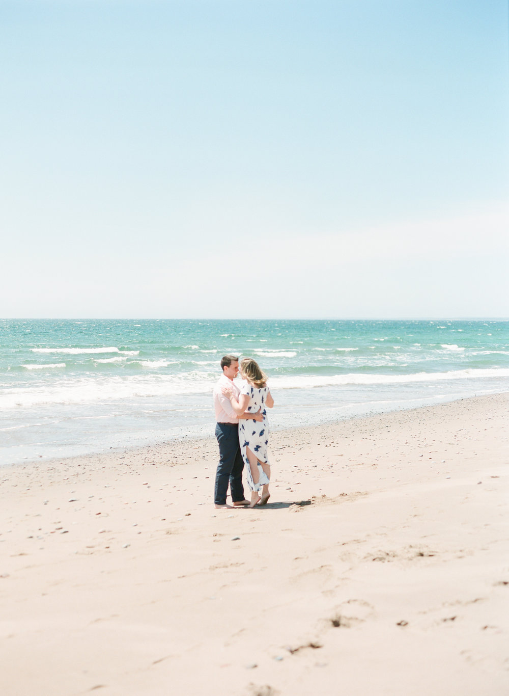 Jacqueline Anne Photography-Melissa and Daniel - Contax 645 - Beach Full Sun-24-12.jpg