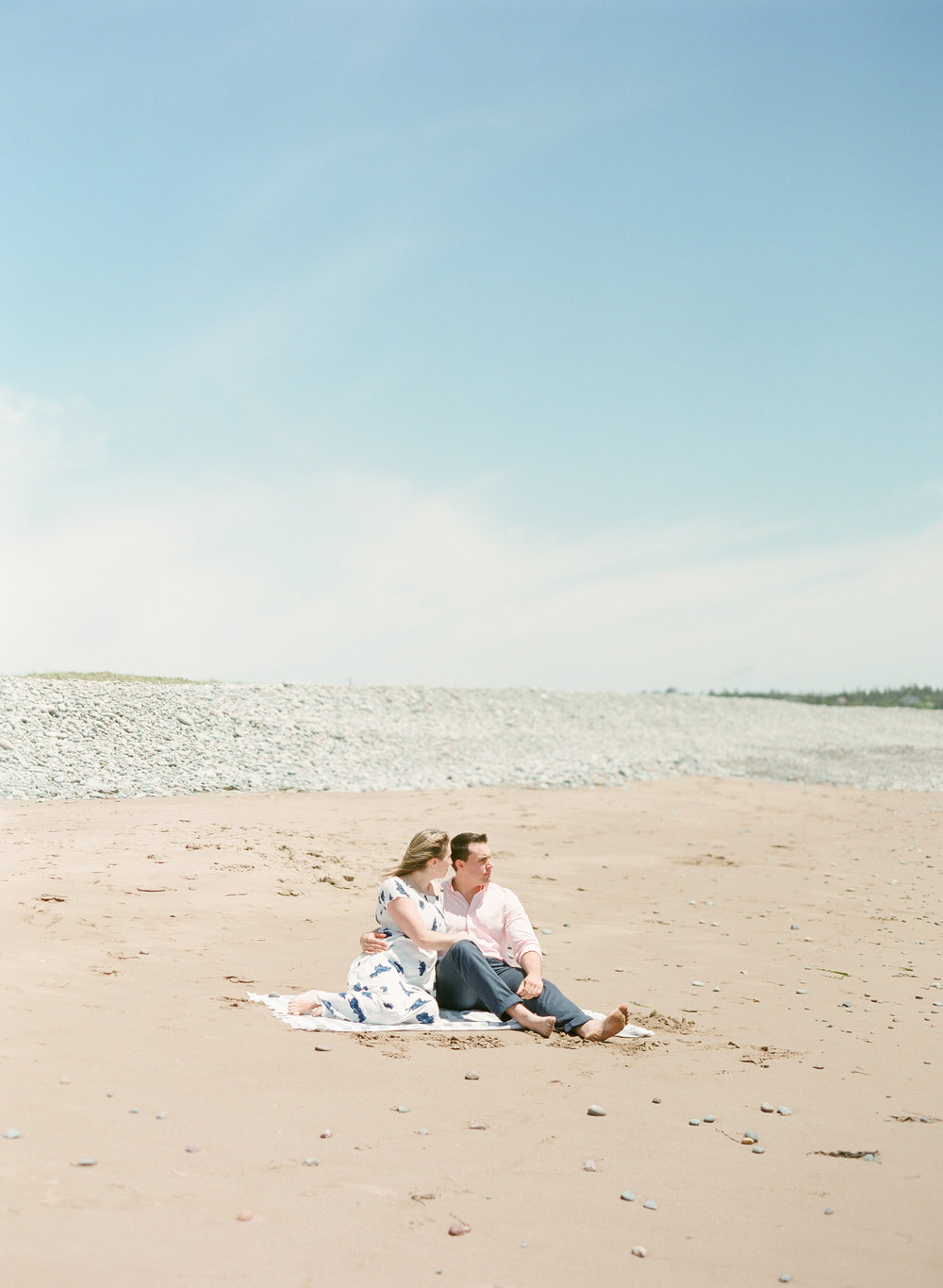 Jacqueline Anne Photography-Melissa and Daniel - Contax 645 - Beach Full Sun-24-2.jpg