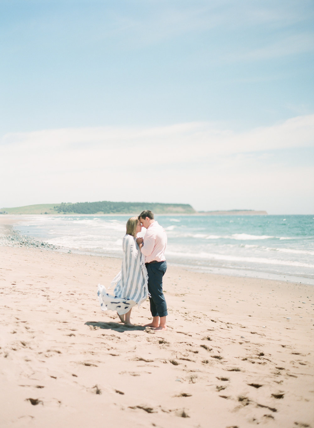 Jacqueline Anne Photography-Melissa and Daniel - Contax 645 - Beach Full Sun-13.jpg