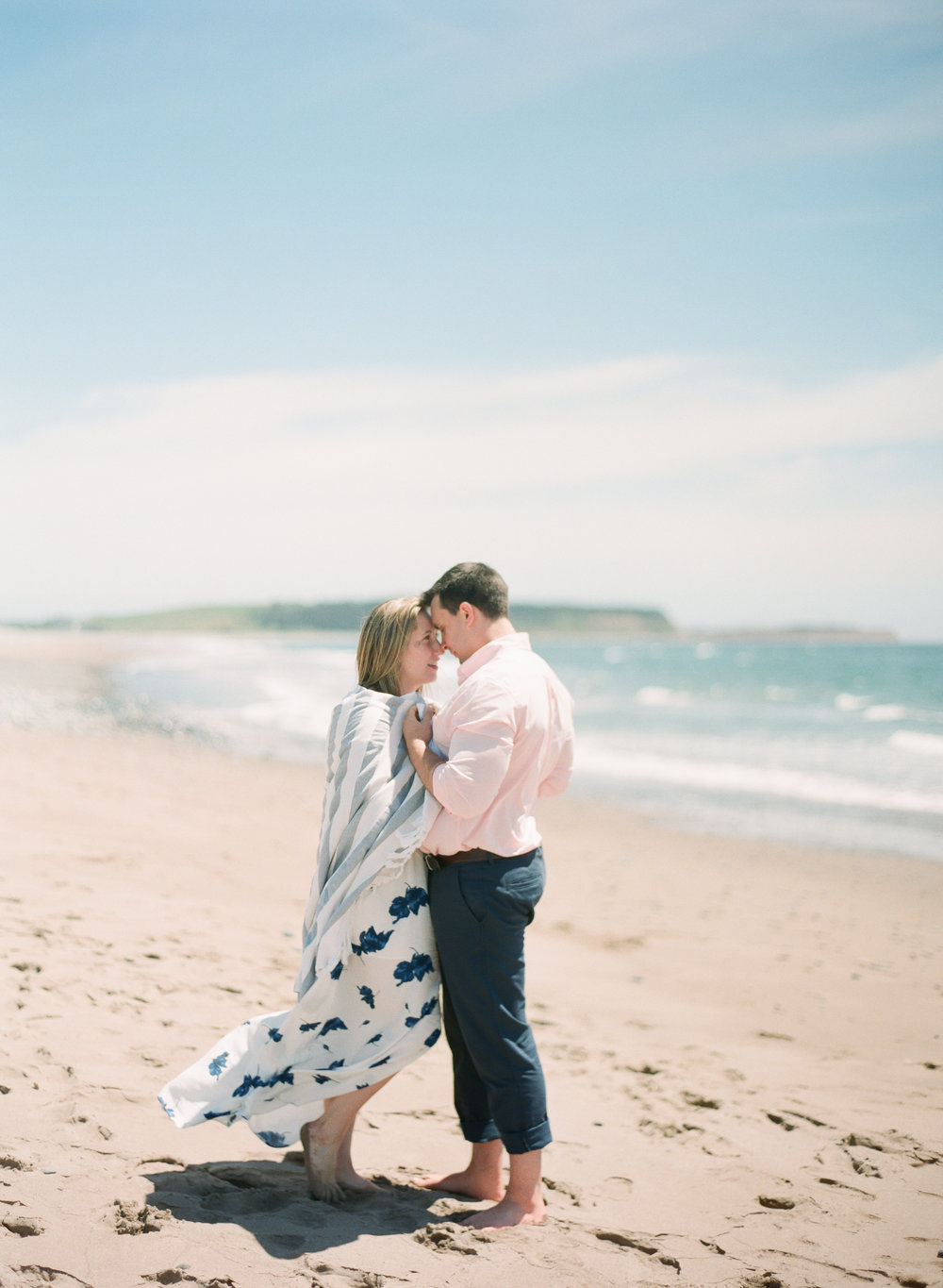 Jacqueline Anne Photography-Melissa and Daniel - Contax 645 - Beach Full Sun-11.jpg