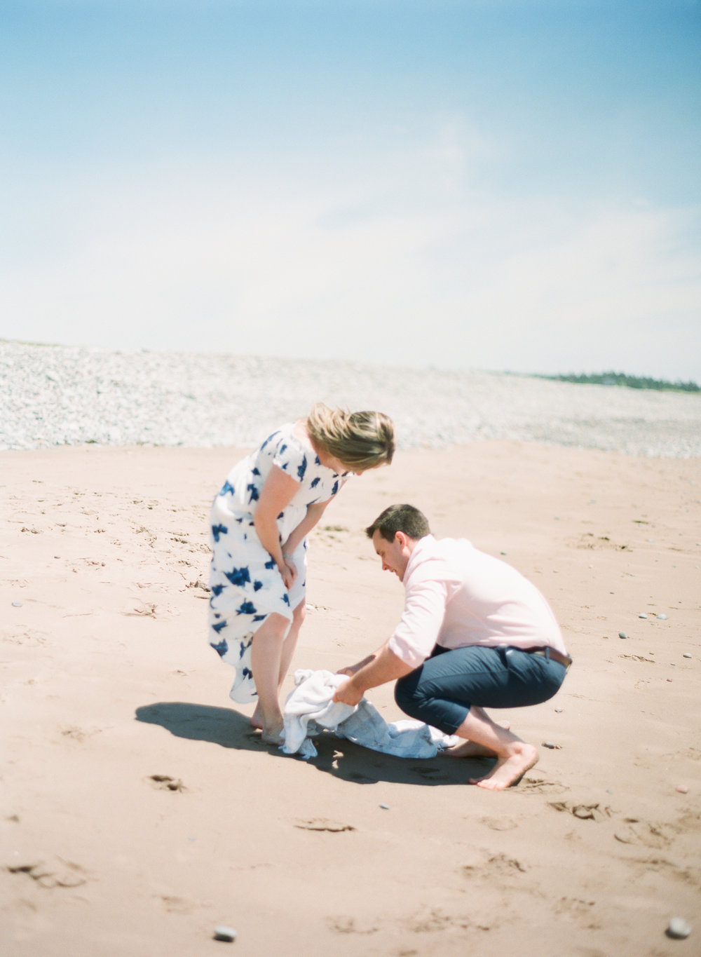 Jacqueline Anne Photography-Melissa and Daniel - Contax 645 - Beach Full Sun-9.jpg
