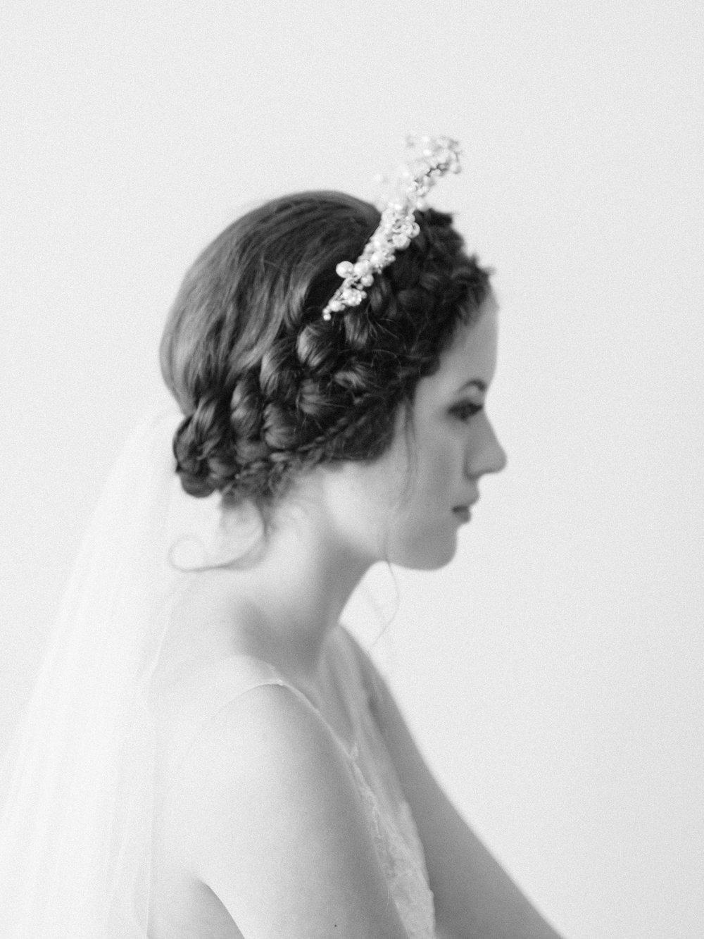 https://whitewren.com/greek-bridal-inspiration-classic-roman/