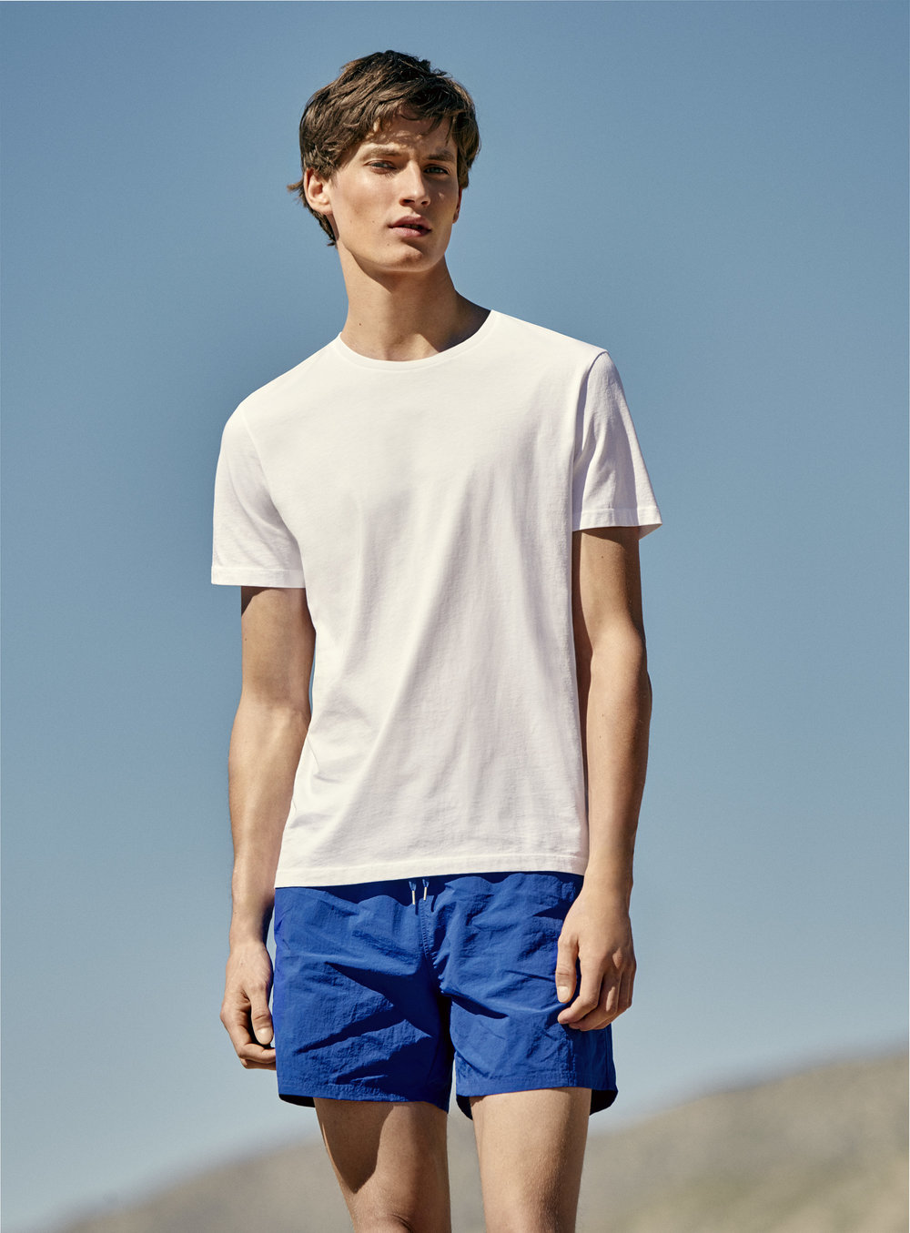 Oversized Cotton t-shirt (25€) + Lightweight swim shorts (45€)