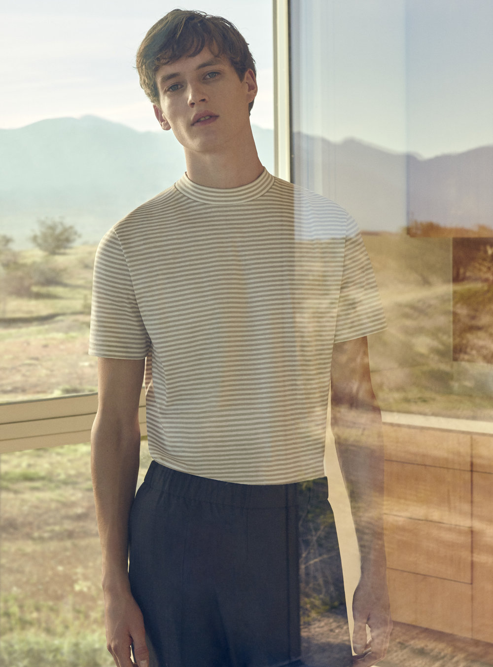 Striped t-shirt with raised neck (39€) + Elasticated waist trousers (79€)