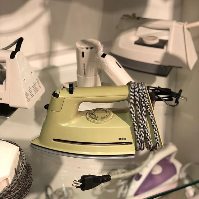 One of the amazing highligts in the Braun Design Collection in Kronberg @braunbeautyde #brauncollection #designedforwhatmatters #braun #iron #flatiron #braunbeauty #research #archive #design #icon #dieterrams #household #living #aesthetic #exhibition #museum #history #heritage #travel #rushdarlington