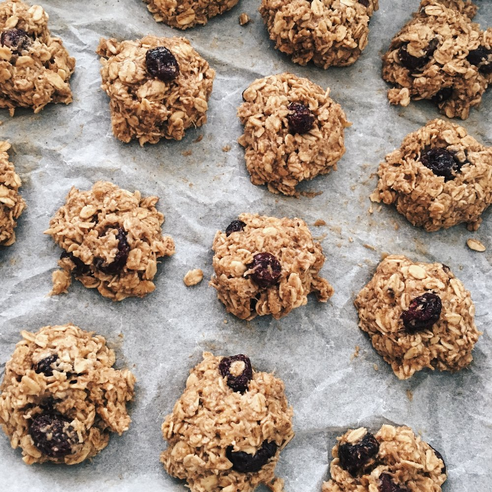 Healthy Cranberry Coconut Oatmeal Cookies