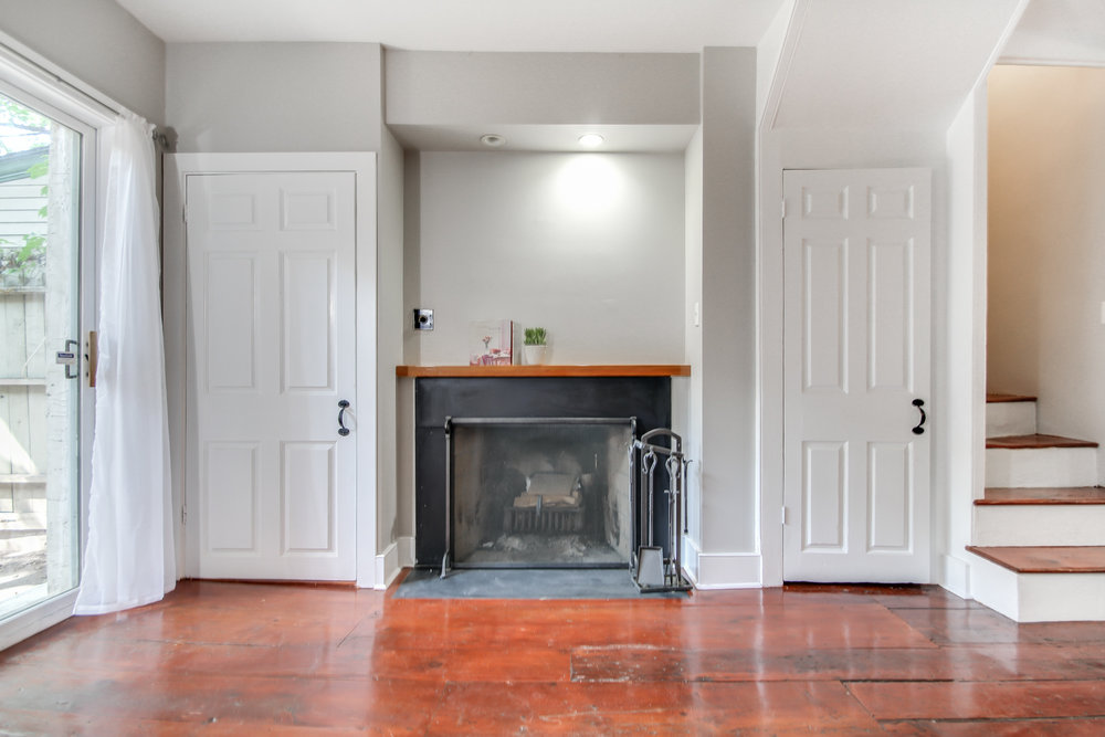 Rustic Old City rowhome charms with extra space, asks $459K