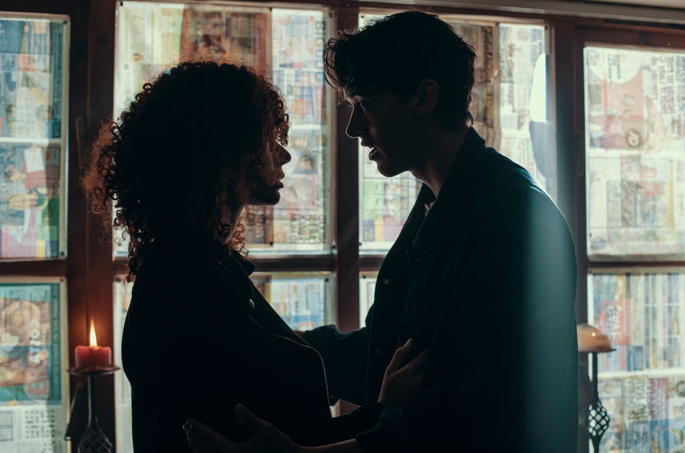 Unit still of Erin and Tom