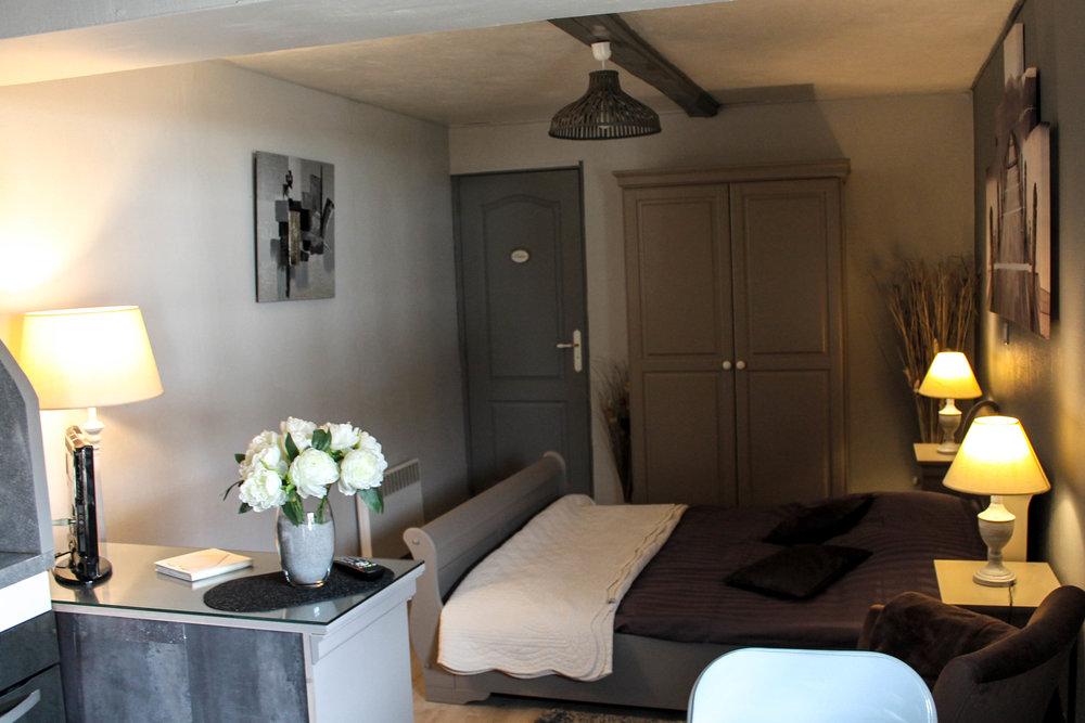 Studio Chambre d'hôtes La réserve 6.jpg