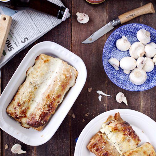 Un délice des papilles, un régal pour les yeux: la ficelle picarde, traditionnelle crêpe de la région, en fera saliver plus d'un! Jambon blanc, duxelles de champignons, crème fraîche et gruyère se marient à merveille dans cette spécialité locale de la Baie de Somme.  #gastronomie #specialiteculinaire #crepes #tradition #baiedesomme