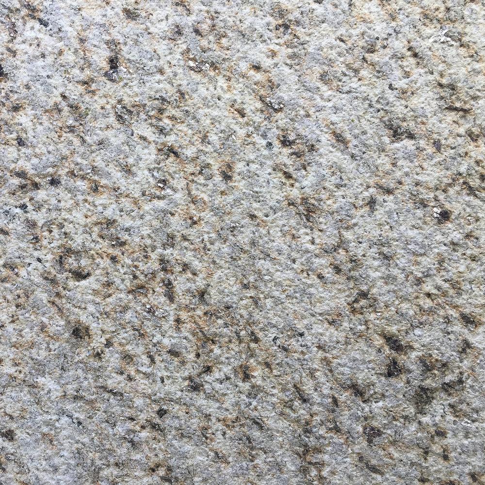 Pedra Vella bh.
