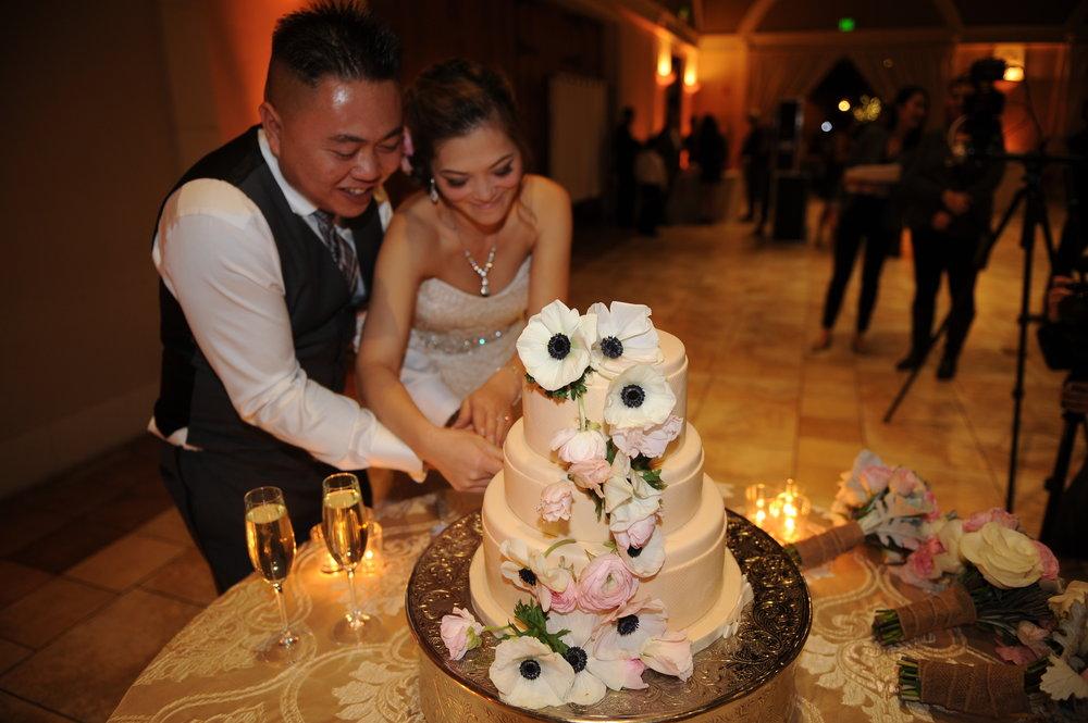 Trang trí tiệc cưới Bánh cưới
