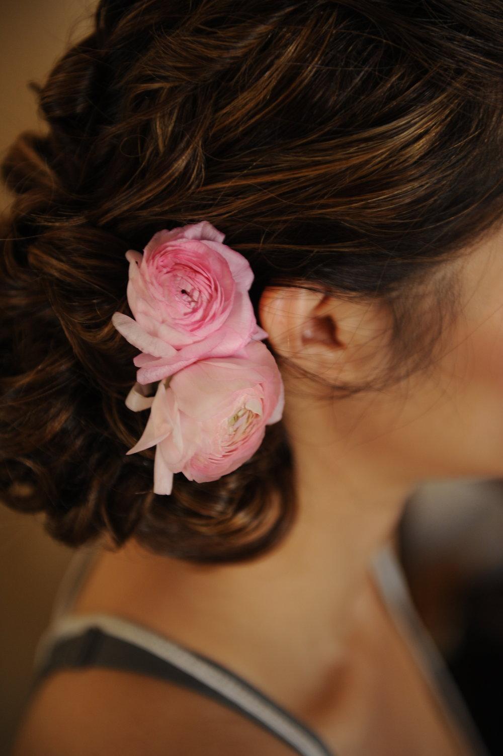 Trang trí tiệc cưới Hoa cài tóc