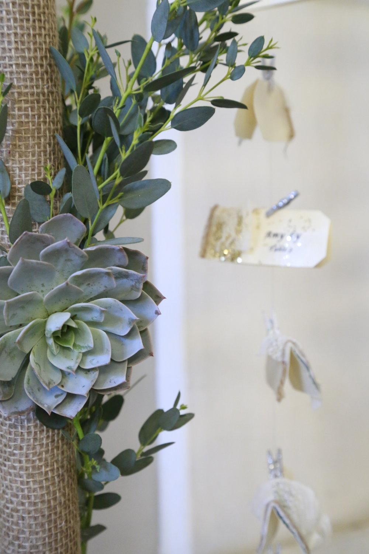 Trang trí tiệc cưới Hoa để bàn