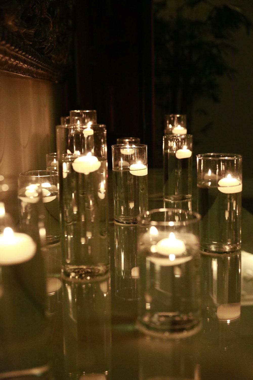 Trang trí tiệc cưới Nến trang trí