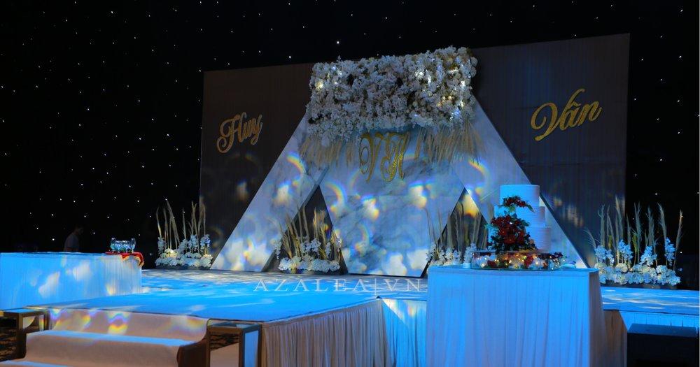 Trang trí tiệc cưới sân khấu