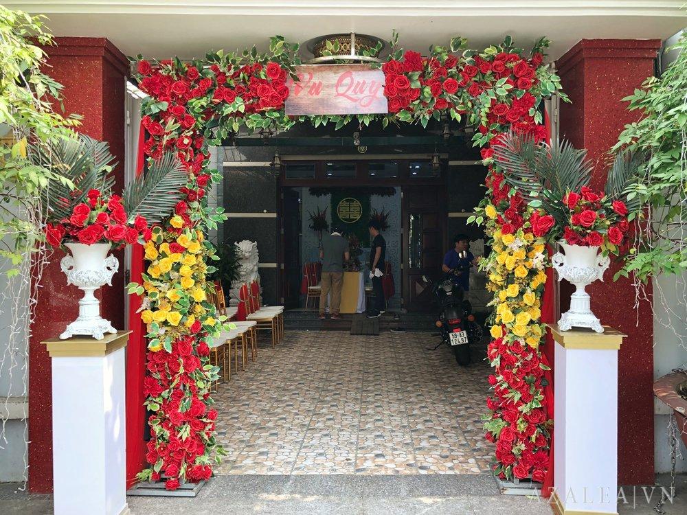 Trang trí tiệc cưới Cổng hoa
