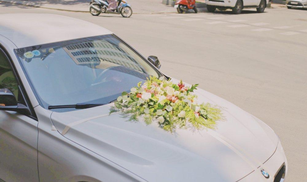Trang trí tiệc cưới hoa xe hơi