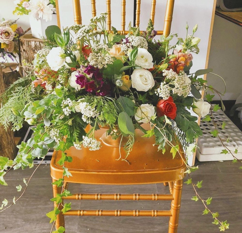 Trang trí tiệc cưới bó hoa