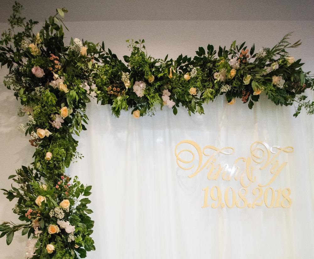 Trang trí backdrop Lễ đính hôn