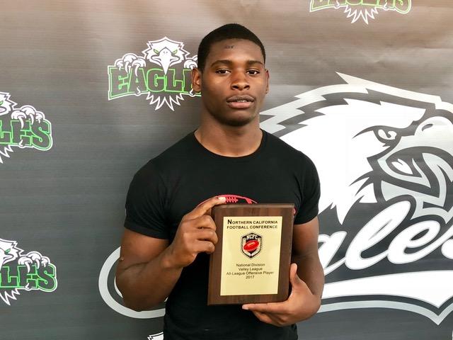 Ahmari Davis - Offensive Player of the Year.jpeg