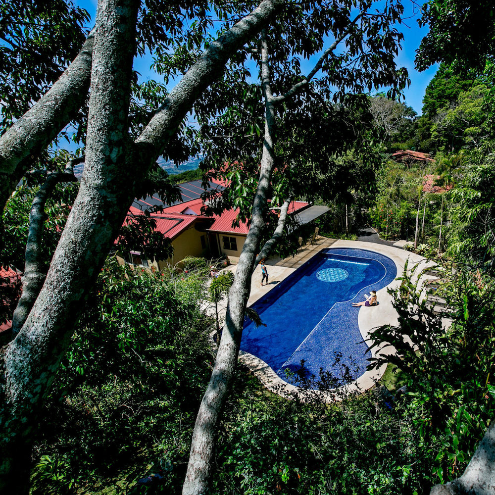 costa-rica-yoga-retreat-pool